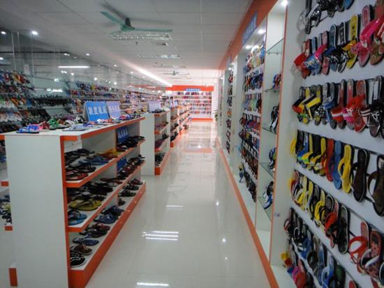 Где в Гуанчжоу купить копии брендов одежды?